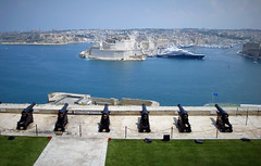 Saluting battery Valletta Malta (wilstony1) Tags: sea boats harbour yacht malta cannons valetta