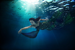 Birgitta Haukdal (LalliSig) Tags: ocean blue portrait people musician sun sunlight fish motion green water movement underwater wave portraiture singer songwriter birgitta haukdal