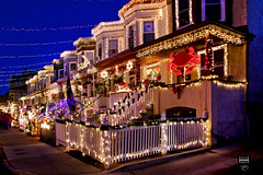 Miracle on 34th Street - Hampden Neighborhood of Baltimore (crabsandbeer (Kevin Moore)) Tags: christmas city urban happy holidays bright 34thstreet crab baltimore christmaslights santaclaus merrychristmas holidaylights hampden kitch rowhouse