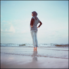 -0005 (hey.poggy) Tags: portrait 6x6 beach colors girl friend emotion islam hijab squareformat malaysia faceless analogue ph terengganu 120mm mamiyac220 filmisnotdead kodakektacolorpro160 poggyhuggies mrhuggies ainulbasyirah