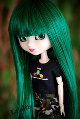 Welcome home, Mizuki! ^o^ (_Lalaith_) Tags: new york ny black sexy green shirt dark outfit doll long open geek stock skirt lips camo pacman camouflage wig l pullip haute mizuki sbh lalaith obitsu rewigged