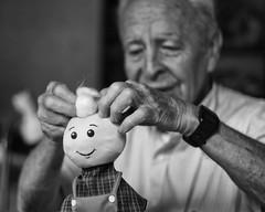 Rellenando (juandeleon) Tags: work handicraft trabajo doll factory hand guatemala fabric cotton mano mueco fiber craftsman artesana tela fbrica artesano fibra algodn juandeleon
