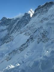 Obers Ischmeer - Oberes Eismeer ( Gletscher - Glacier => Teil des Grindelwald - Fieschergletscher ) mit Seracs und Gletscherspalten - Spalten in den Alpen - Alps im Berner Oberland im Kanton Bern in der Schweiz (chrchr_75) Tags: hurni christoph schweiz suisse switzerland svizzera suissa swiss chrchr chrchr75 chrigu chriguhurni 0803 hurni080306 alpen alps berge mountains natur nature winter hiver bumgletscherglacier gletscher glacier jäätikkövaellus παγετώνασ 氷河 glaciar eis ice wasser water landschaft landscape schnee snow neige albumgletscherglacier glaĉero liustik jäätikkö oighearshruth ghiacciaio gletsjer lodowiec geleira glaciär obers ischmeer oberes eismeer grindelwald fieschergletscher kantonbern berner oberland albumgletscherimkantonbern