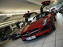 Brabus insanity. (Niklas Emmerich Photography) Tags: christmas b red black cars car silver matt germany grey for mercedes benz back december factory 8 s super ps right 63 most v mercedesbenz carbon 700 supercar v8 sls amg roadster brabus on the biturbo automobil 2011 700hp 571 620hp worldcars 571hp