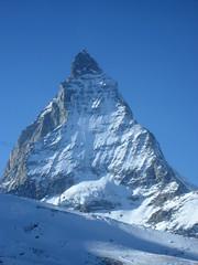 Berg / Mountain : Matterhorn / Mont Cervin / Monte Cervino (VS / I - 4`478m) im Kanton Wallis / Valais in der Schweiz an der Grenze zu Italien (chrchr_75) Tags: mountain alps berg landscape schweiz switzerland suisse suiza swiss 2006 sua zermatt matterhorn monte alpen christoph dezember svizzera landschaft mont wallis sveits valais cervin sviss zwitserland sveitsi suissa cervino 0612 montecervino kanton chrigu szwajcaria  montcervin chrchr kantonwallis hurni chrchr75 chriguhurni kantonvalais albummatterhorn hurni061220