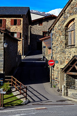 Andorra history: Old houses (lutzmeyer) Tags: november autumn rural photography photo europe novembre foto fotografie dorf village image herbst pueblo picture 85mm noviembre valley below baixa bild unten andorra imagen pyrenees tal iberia pirineos pirineus tardor iberianpeninsula parroquia pyrenen otono poble vallnord imatge lamassana iberischehalbinsel aldosa laldosa lamassanaparroquia