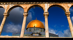 JERUSALEM (BoazImages) Tags: gold golden israel colorful palestine muslim traditional jerusalem landmark domeoftherock holy conflict islamic templemount alquds palestinian archtiecture  abigfave  masjidqubbatassakhrah boazimages
