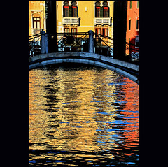 longing for... (klaus53) Tags: bridge venice colors reflections nikon eveningsun ponte venezia riflessi canalgrande blinkagain