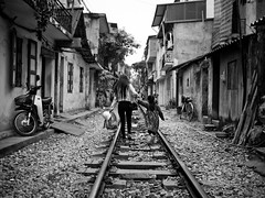 Living on the Tracks, Tran Phu - Hanoi (adde adesokan) Tags: street travel people pen photography asia tracks streetphotography documentary olympus vietnam hanoi ep3 streetphotographer m43 mft mirrorless tranphu microfourthirds theblackstar mirrorlesscamera streettogs addeadesokan