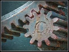 Engranaje (sacre) Tags: espaa port puerto spain harbour gear olympus galicia hdr engranaje camarias olympus570uz
