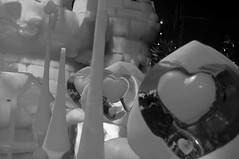 Brelan (Atreides59) Tags: alice wonderland pays merveilles noir blanc bw black white bruges festival glace ice sculpture belgique pentaxart pentax kr cedriclafrance atreides atreides59 walt disney nb blackwhite blackandwhite mono monochrome noiretblanc