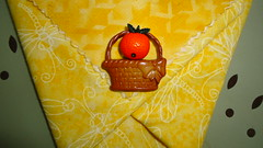 Panier origami en tissu (ZiKiarts) Tags: park flowers red orange usa paris france color green apple yellow fruit jaune rouge origami iran crafts january hobby bananas fabric pineapple smiley baskets button ladybird ladybug dominique patchwork joanne ananas perelachaise janvier domi 2012 pomme coccinnelle tissu gambetta 75020 paniers costumemade zardkuh bazoftforever bazoft loisirscreatifs surcommande zikiarts