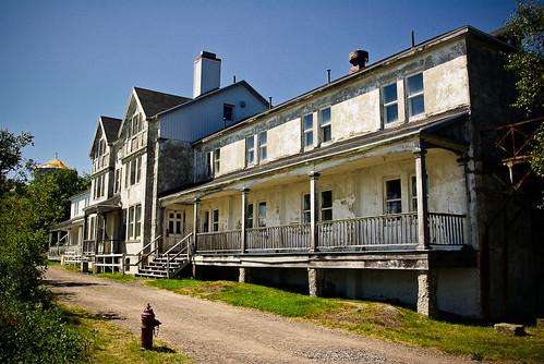 The First-Class Hotel, Grosse-Île
