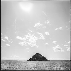 The Isle (*altglas*) Tags: sea sky 6x6 analog mediumformat island meer himmel insel bronica isle mittelformat zenzabronica ectl nikkorh3550