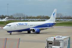 YR-BAU Blue Air Boeing 737-400 EGGW 2/5/16 (David K- IOM Pics) Tags: blue london airport air bms boeing luton yr 737400 ltn b734 7374y0 eggw yrbau