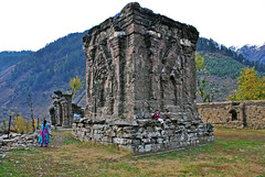 2000 years old Sree/Siri Sharada Devi Temple, Sharada, Kashmir, Pakistan (Black-Z-ro [100,000+ views]) Tags: pakistan temple zoya muslim kashmir ahmad karachi hindu ahmed siri sree devi sharada inda peet narda khizer khizar blackzero irfanahmed76