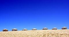 Portogallo, Figueira da Foz, spiaggia (forastico) Tags: forastico d60 portogallo figueiradafoz coimbra spiaggia cielo sabbia ombrelloni nikonflickraward luckyorgood