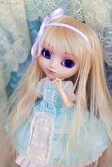 Wonderland in Baby Blue (Rinoninha) Tags: blue azul doll lace alice chips 25 wig pullip ichigo mueca lovable peluca encaje leeke obitsu leekeworld rewigged memelody rechipped