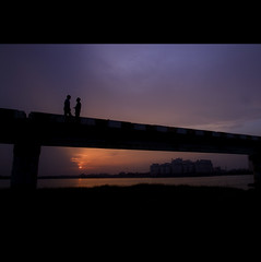 Twilight Friends! | Explored (VinothChandar) Tags: friends sunset sky orange india color beautiful silhouette night canon photography evening photo twilight chat colorful friendship photos vibrant discussion chennai tamilnadu besantnagar brokenbridge canoneos5dmarkii