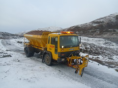 peels gritter M553 YUM (corkyceosboy) Tags: rescue man ford john mercedes volvo search forestry d c south lewis police rover ambulance cranes highland nhs transit western land council service mackay harris isle isles aline lochs iveco sons peels stornoway saltpile maciver scottis gritting warrion mitsubushi