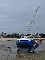 St-Pierre-Quiberon - Temana on Low Tide (Drriss & Marrionn) Tags: travel seascape france beach landscape boat brittany bretagne westerneurope stpierrequiberon mygearandme mygearandmepremium mygearandmebronze blinkagain