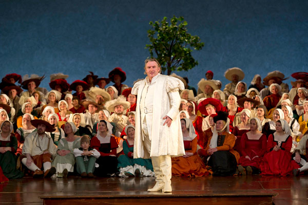 "Simon O'Neill as Walther in Graham Vick's production of Die Meistersinger von Nürnberg. The Royal Opera Season 2011/12. <a href=""http://www.roh.org.uk"" rel=""nofollow"">www.roh.org.uk</a> Photo: Clive Barda"