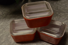 Red Fridgies! (LuluBelle.) Tags: small primary pyrex refrigeratordish fridgies