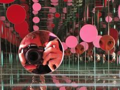 you&me x infinity (Michiko.Fujii) Tags: pink red reflections infinity mirrors lookingglass yayoikusama intothelookingglass alternativeportraits thetateliverpool thepassingwinter