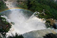 Dall'alto - Gli arcobaleni di Iguazu (giancarvedsse) Tags: argentina brasil arcoiris cataratas arcobaleno iguazu cascate gargantadeldiablo fozdoiguaçu puertoiguazu rioiguazu new7wonders latoargentino