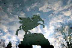 Pegasus (anuwintschalek) Tags: christmas winter sky reflection salzburg water fountain clouds weihnachten austria wasser december upsidedown pegasus springbrunnen himmel wolken spiegelung vesi talv mirabell 2011 mirabellgarten julud taevas pilved purskkaev peegeldus d7k nikond7000 sigma1770os