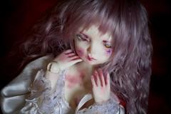 Mivre (Queen Carcharias  Libuse) Tags: boy gabriel girl strange leaves rose dark doll maya g dream lavender m wig bjd msd leeke crobidoll