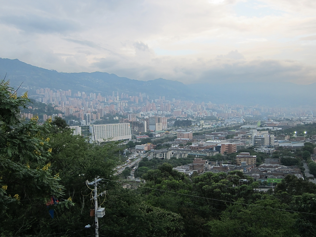 The World S Best Photos Of Medellin And Nutibara Flickr Hive Mind # Muebles Fiesta Metronorte
