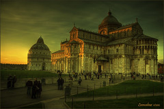 Piazza dei Miracoli - Duomo e Battistero.... (leon.calmo) Tags: canon pisa duomo battistero hdr piazzadeimiracoli eos50d supercontest bestcapturesaoi leoncalmo elitegalleryaoi lamiacittmycity