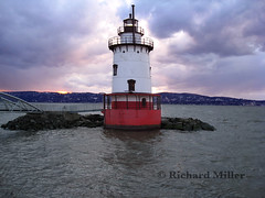 18-Halo of Clouds (Blackarrow3) Tags: lighthouses hudsonriver sleepyhollowlighthouse tarrytownlighthouse newyorklighthouses hudsonriverlighthouses 1883lighthouse