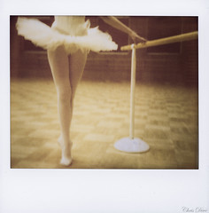POLAROIDANSE (Chris Dve) Tags: woman france sol girl beauty vintage square polaroid photo image grain danse beaut pied fille tulle tutu argentique appareil carr jambe danseuse traitement imageelitepro beautbeauty