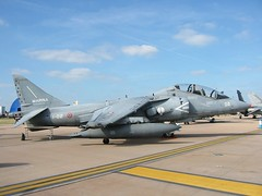 TAV-8B Harrier-II MM55033/1-02 GrupAer, Italian-Navy. RAF Fairford, RIAT, 16-07-2005. (Aircraft throughout the years) Tags: 2005 102 raf harrier fairford riat italiannavy harrierii grupaer mm55033 tav8b