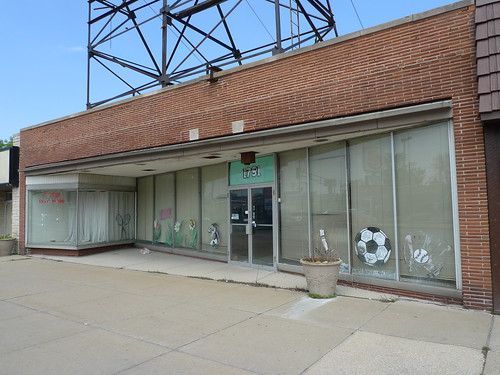 former home of Chicago Shirt & Lettering Corp.