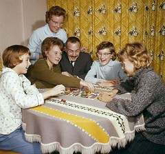 Gezin speelt ganzenbord / Family enjoying each other's company (Nationaal Archief) Tags: family game haarlem board nederland 1960s wholesome 381085