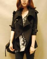 V10301超大领超大肩带帅气七分袖黑色小风衣-(韓版時尚女裝-www.ef1688.com)