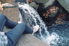 (Main de Gap) Tags: park nyc gay boy newyork man guy film shirt analog 35mm canon photography photo waterfall legs boots diary central journal jeans 400 a1 plaid portra photodiary photojournal