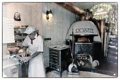 Rosati Pizza (Pachibro Portfolio) Tags: canon eos restaurant campania pizza napoli naples furnace pizzeria forno 50d rosati canoneos50d scattifotografici pasqualinobrodella pachibroportfolio pachibro