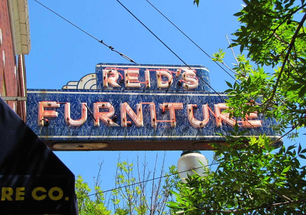 Reidu0027s Furniture (Eridony (Instagram: Eridony_prime)) Tags: Sign Downtown  Michigan Neonsign
