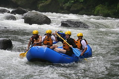 Alto Balsa white waters rafting (daniel.virella) Tags: me río river américa rainforest costarica whitewater daniel eu rapids rafting balsa radical rapidos altobalsa costaricadescents
