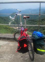 Highway No.9 bike ride, my KHS (Taiwan Cycle Tourists) Tags: china camping bike bicycle roc freedom asia taiwan tent cycle taipei tainan bri touring folding khs foldingbike panniers bivi f20 cycletouring hasus cyclingshoes keepmoving carridice origamitour touringshoes f20t33 f20t3b