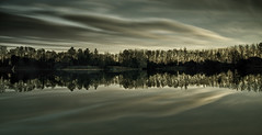ND400 (Lluis i Vinyet) Tags: paisajes naturaleza nature water clouds reflections landscapes agua nikon natura catalonia catalunya aigua catalua reflejos avia llac nuvols berga paisatges reflexes nuves bergueda d7000 panoramafotogrfico blinkagain grauges rememberthatmomentlevel1