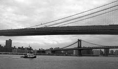 Two bridges (eks4003) Tags: bridge brooklyn brooklynbridge manhattanbridge tugboat