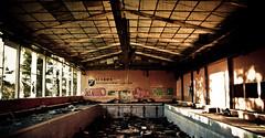 Piscina Internado de Izarra (jkpukas) Tags: school piscina colegio alava vasco euskadi ara pais roto abandono cristales izarra internado collegeba