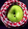 Apple arabic (WOOROOD) Tags: apple arabic عربي تفاح شماغ