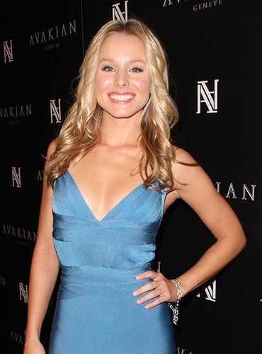Kristen Bell is a fan of Cali Blue Perfume by AromaEarth com