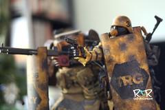 gruntdc_2 (radtoyreview) Tags: world toys robot war 3a shield emergency grunt dropcloth wwr ashleywood 3aa awesomesauce emgy threea adventurekartel emgygrunt droplcloth